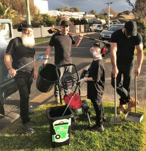 Mornington Peninsula Property Services workers. Property solutions. Handyman. Repairs and maintenance. Builders. Gardeners. Rubbish removal.