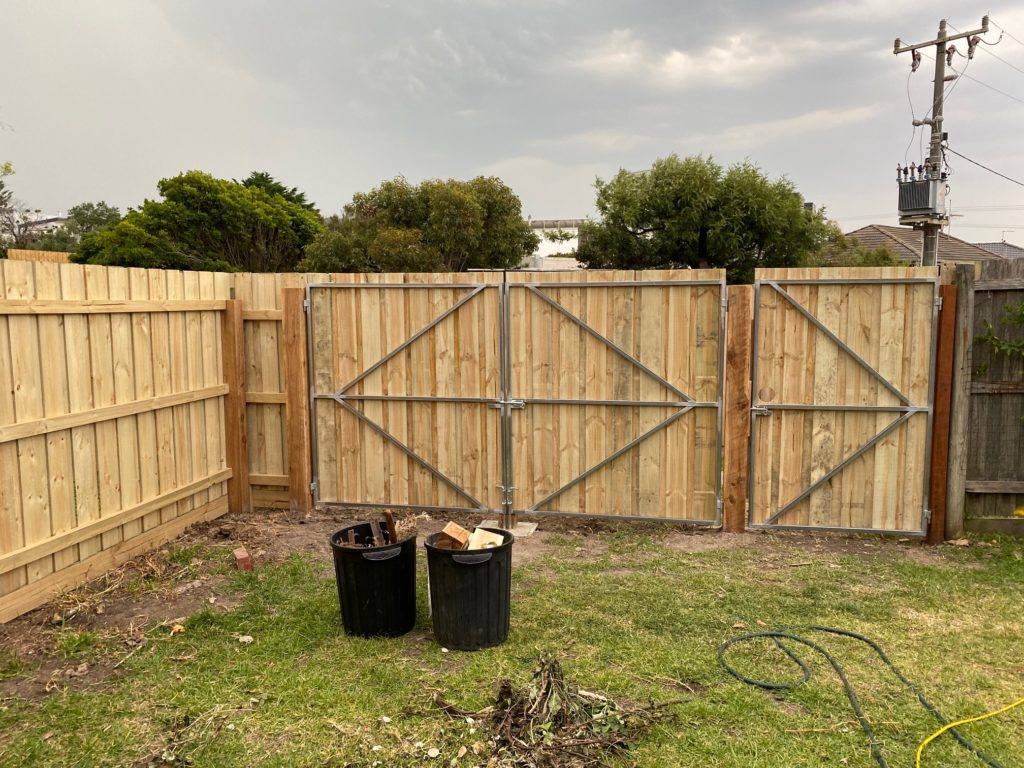 Timber fencing construction